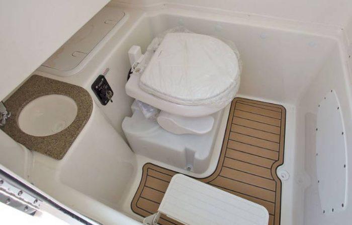 NauticStar Boats 28 XS Legacy Head toilet