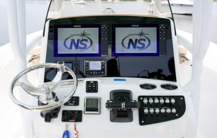 NauticStar Boats 28 XS Legacy Helm